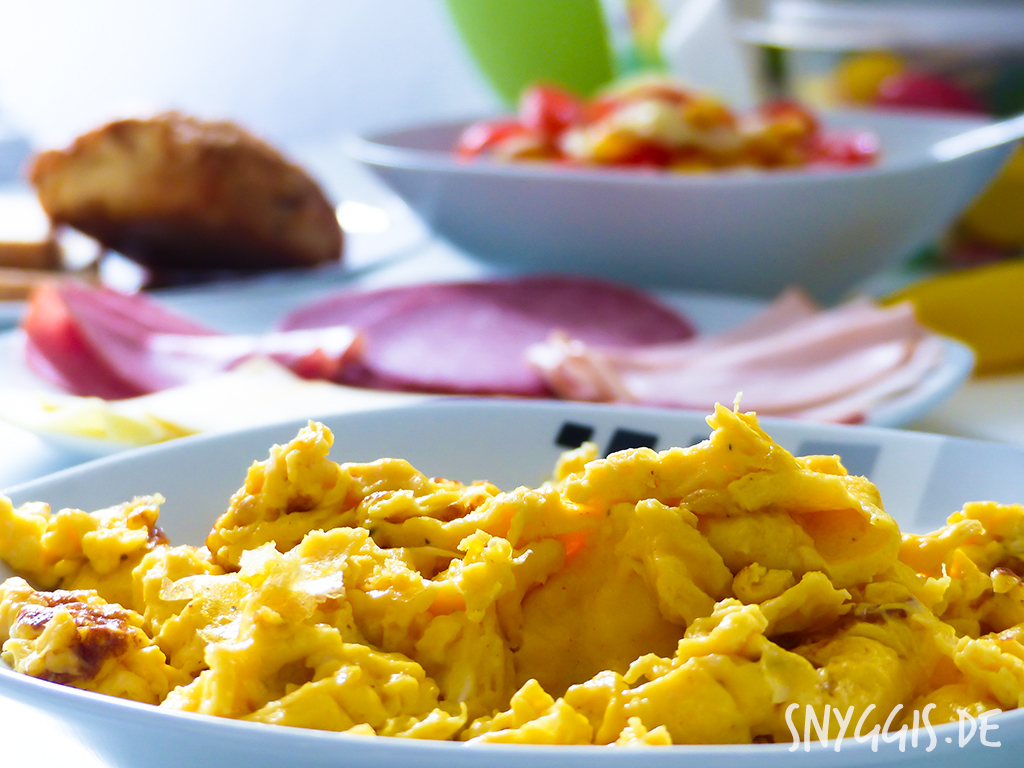 Frühstück mit Rührei