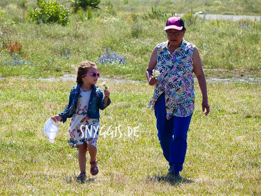 Oma und Mini-Snyggis unterwegs