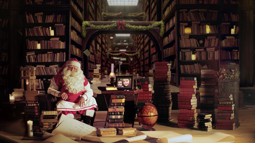 Wir auf dem Display beim Weihnachtsmann