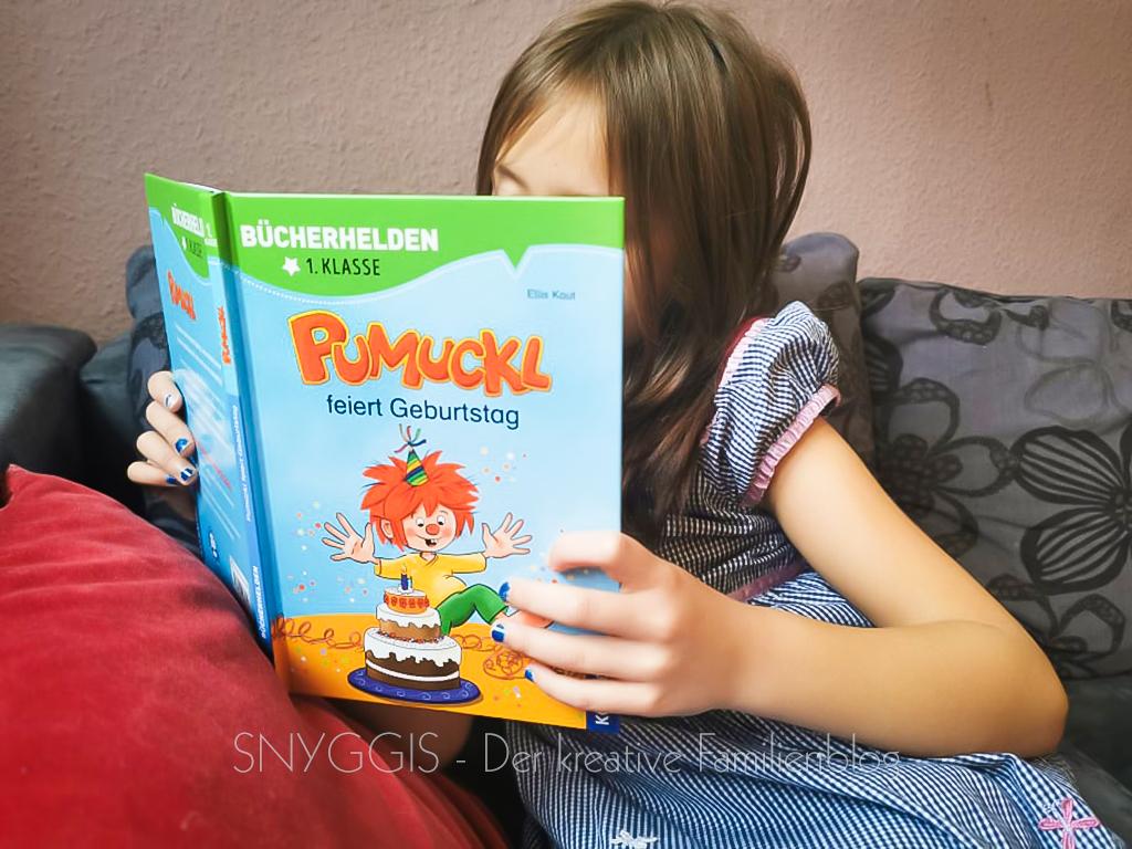 Mini-Snyggis-liest-Pumuckl