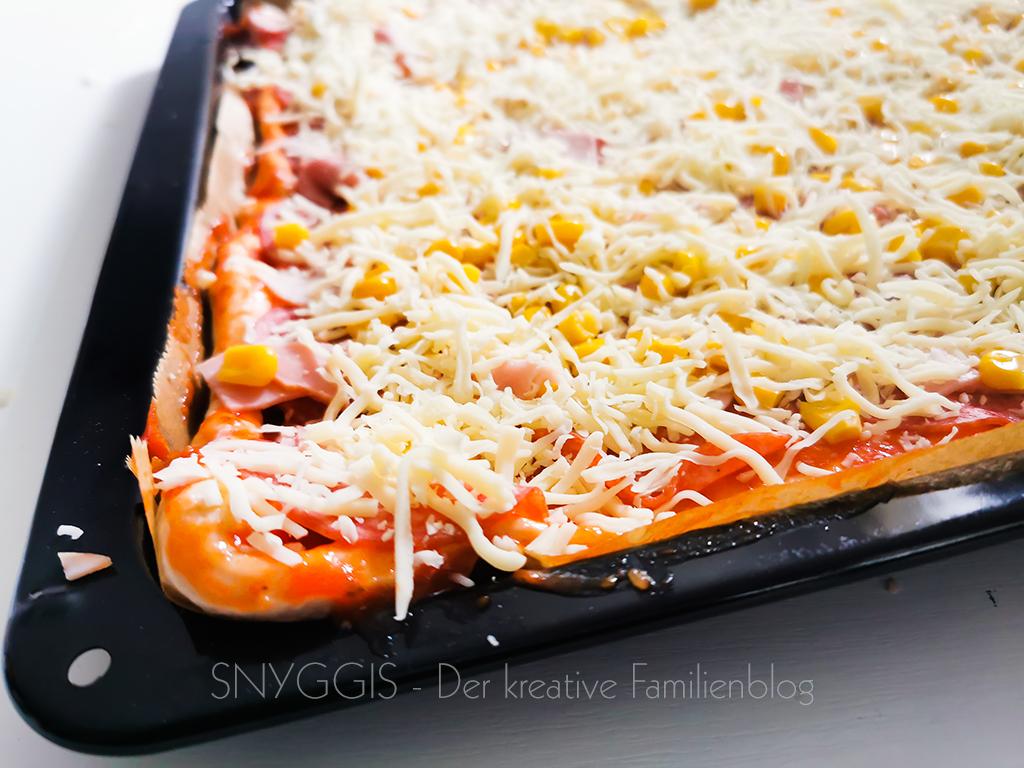 Pizza-fertig-belegt